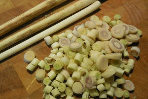 Stalks and sliced lemongrass.