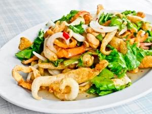 Chicken stir fry with cashews.