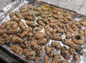 raw.potatoes.on.tray2